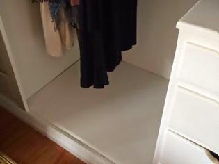 Φωτογραφία για Ανακάλυψαν κρυφό χρηματοκιβώτιο στη ντουλάπα του νέου τους σπιτιού - Δείτε τι έκρυβε μέσα [photos]