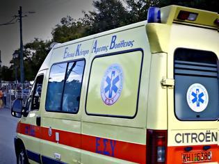 Φωτογραφία για Λεωφορείο έπεσε σε βάλτο στη Μυτιλήνη - Τραυματίες τρεις Ολλανδοί τουρίστες
