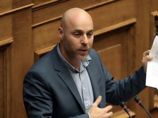 Φωτογραφία για Γιώργος Αμυράς: Τι θα γίνει με τη δωρεάν μετακίνηση των ένστολων στα δημόσια μέσα μεταφοράς;