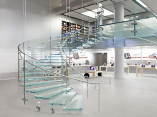 Φωτογραφία για Η Apple κλείνει το κατάστημα του Λούβρου