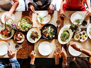 Φωτογραφία για Θέλεις να βγεις έξω για φαγητό και σκέφτεσαι τι θα φας; Ιδού οι πιο υγιεινές επιλογές!