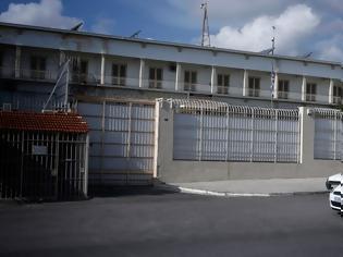 Φωτογραφία για Δεύτερη αποφυλάκιση σαν του Φλώρου - Κύκλωμα μοιράζει πλαστά πιστοποιητικά στις φυλακές