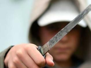 Φωτογραφία για Μαθητής γυμνασίου έριξε κουτουλιά σε καθηγήτρια και την απείλησε με μαχαίρι!