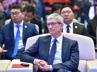 Φωτογραφία για Ο Tim Cook επισκέφθηκε την Κίνα για να αυξήσει τις απογοητευτικές πωλήσεις του iPhone XS