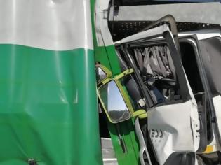 Φωτογραφία για Σύγκρουση τουριστικού λεωφορείου με φορτηγό στη Γερμανία