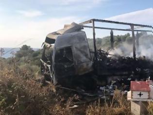 Φωτογραφία για Τραγωδία στην Καβάλα: 11 μετανάστες απανθρακώθηκαν μετά από σύγκρουση ΙΧ με φορτηγό