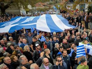 Φωτογραφία για «Σήκω Κωστάκη γιε μου...». Το «τελευταίο αντίο» των Ελλήνων στον Κωνσταντίνο Κατσίφα !! [Εικόνες-Βίντεο]