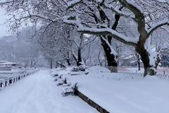 Καιρός: Συνεχίζεται η κακοκαιρία και αύριο - Πού θα «χτυπήσει» ο χιονιάς