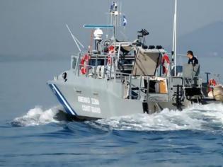 Φωτογραφία για Κρήτη: Συνελήφθησαν και τα 5 μέλη του σκάφους που θεωρήθηκε ύποπτο και στη συνέχεια βυθίστηκε