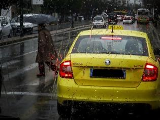 Φωτογραφία για Χειροπέδες από την Ασφάλεια Περάματος σε ταξιτζή που έκλεβε ηλικιωμένες