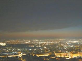 Φωτογραφία για Αιθαλομίχλη «πνίγει» την Αθήνα