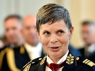 Φωτογραφία για Σλοβενία: Η πρώτη γυναίκα επικεφαλής ενόπλων δυνάμεων σε χώρα του ΝΑΤΟ