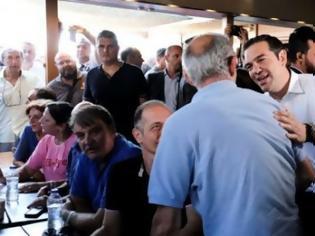 Φωτογραφία για Γκάφα Τσίπρα στο Μάτι ήταν: «Δικός μας είναι αυτός;» (Βίντεο)