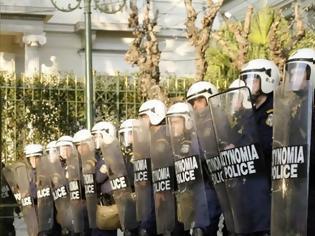 Φωτογραφία για Σε επιφυλακή η ΕΛ.ΑΣ με 5.000 αστυνομικούς για την επέτειο δολοφονίας του Γρηγορόπουλου