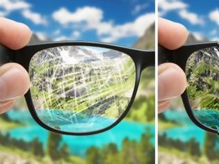 Φωτογραφία για Πώς να εξαφανίσετε τις γρατζουνιές από τα γυαλιά σας