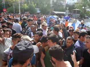 Φωτογραφία για Σε εγκαταλελειμμένο ακίνητο του ΕΦΚΑ στην πλατεία Βάθης θα εγκαταστήσουν «πρόσφυγες»