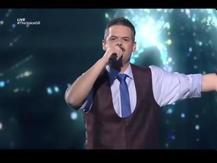Φωτογραφία για The Voice: Στα ημιτελικά ο Αγρινιώτης Γιάννης Πανουκλιάς (video)