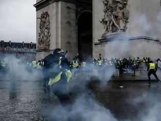 Φωτογραφία για Η Γαλλία είναι βαθιά διαιρεμένη – Τα Κίτρινα Γιλέκα είναι απλώς ένα σύμπτωμα