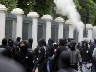 Φωτογραφία για Δέκα προσαγωγές από τη μαθητική πορεία για τον Αλέξανδρο Γρηγορόπουλο