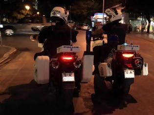 Φωτογραφία για Αστυνομικοί της ZHTA κάνουν τα πάντα για να φτάσει ένα παιδί γρήγορα στο Νοσοκομείο