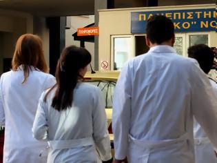 Φωτογραφία για Πώς και πόσα αναδρομικά θα λάβουν οι γιατροί - Οι πίνακες με τους βαθμούς