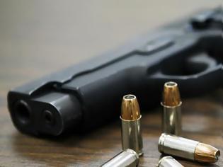 Φωτογραφία για Έρευνα των Εσωτερικών Υποθέσεων για το «σκονάκι» στις εξετάσεις άδειας οπλοφορίας