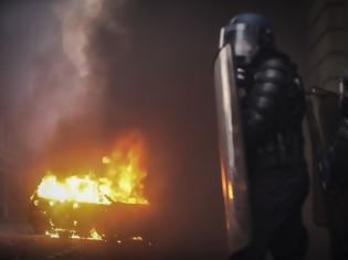 Φωτογραφία για Κίτρινα γιλέκα: Πανικός στη Γαλλία – Μπαράζ συλλήψεων, εκατοντάδες τραυματίες