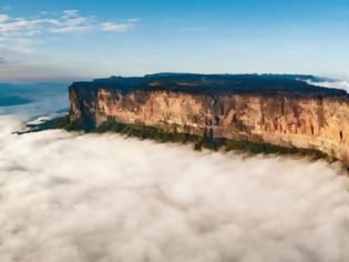 Φωτογραφία για Ροϊράμα: Το μοναδικό «επίπεδο» βουνό με τους 52 καταρράκτες, τις 54 λίμνες και τα σπανιότερα είδη φυτών στον κόσμο