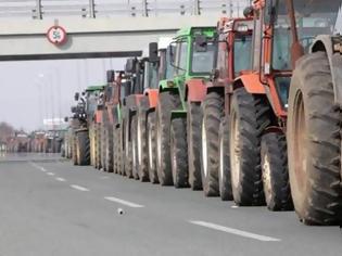 """Φωτογραφία για """"Ζεσταίνουν"""" τις μηχανές των τρακτέρ οι αγρότες"""