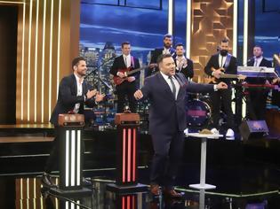 Φωτογραφία για The 2Night Show: Ποιο πρόσωπο-έκπληξη από το Καφέ Της Χαράς έρχεται απόψε στο show;