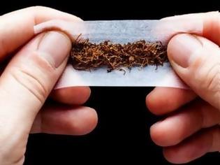 Φωτογραφία για Έρευνα αποκαλύπτει γιατί οι καπνιστές στριφτών τσιγάρων δυσκολεύονται περισσότερο να το κόψουν