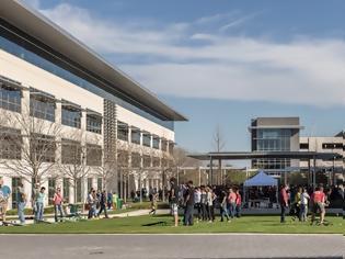 Φωτογραφία για Η Apple κατασκευάζει το Campus 1 δισεκατομμυρίων δολαρίων