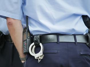 Φωτογραφία για Βρέθηκαν τα όπλα των αστυνομικών; Έρευνα αυτή την ώρα στα Εξάρχεια - 9 αξιωματικοί υπηρεσίας στο στόχαστρο