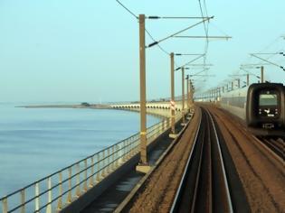 Φωτογραφία για Δανία: Τουλάχιστον έξι νεκροί σε σιδηροδρομικό δυστύχημα πάνω σε γέφυρα