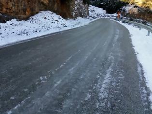 Φωτογραφία για Παγωμένοι δρόμοι-παγίδες, δεν έχει πέσει αλάτι, στον ΑΕΤΟ Ξηρομέρου | ΦΩΤΟ
