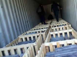 Φωτογραφία για Στα δίχτυα των Αρχών το βαρύ «κουτί» με τα Captagon - Εντοπίστηκαν περισσότερα από 5 εκατ. ναρκωτικά χάπια
