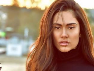 Φωτογραφία για Eurovision 2019: Θα εκπροσωπήσει την Ελλάδα η Έλενα Τσαγκρινού;
