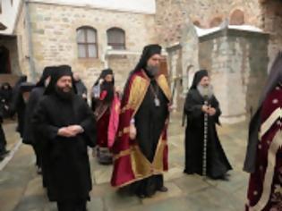 Φωτογραφία για 11517 - Φωτογραφίες από την υποδοχή του Σεβ. Μητροπολίτη Ν. Ιωνίας κ. Γαβριήλ στην Ιερά Μονή Σίμωνος Πέτρας του Αγίου Όρους