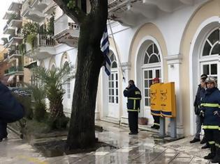 Φωτογραφία για Ύποπτοι φάκελοι σε Πολυτεχνείο, Κέρκυρα και Κρήτη