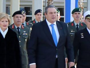Φωτογραφία για Ο Πάνος Καμμένος αποχαιρέτησε τους Αρχηγούς των Γενικών Επιτελείων!