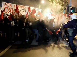 Φωτογραφία για Λαφαζάνης: Δολοφονική η επίθεση των ΜΑΤ στους διαδηλωτές κατά της Μέρκελ