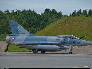 Φωτογραφία για Νεκροί οι δύο πιλότοι του Mirage 2000 που συνετρίβη στη Γαλλία