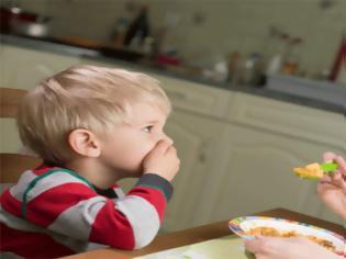 Φωτογραφία για Πώς αυτή η συνήθεια που έχουμε από παιδιά, μας προσθέτει κιλά;