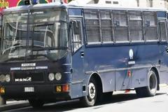 Επίθεση σε αστυνομικούς στην ΑΣΟΕΕ - Πληροφορίες για τραυματίες