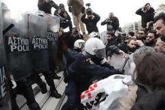Γεροβασίλη: Απαράδεκτες οι ενέργειες κάποιων ανδρών των ΜΑΤ - ΕΔΕ από το Αρχηγείο