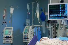 Πάνω από 40 ασθενείς καθημερινά στη λίστα αναμονής για ένα κρεβάτι εντατικής