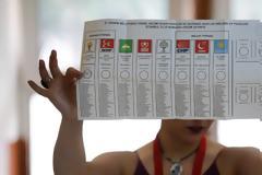 Σκάνδαλο στην Τουρκία: Βρέθηκε ψηφοφόρος ετών… 165