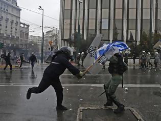 Φωτογραφία για 25 οι τραυματίες αστυνομικοί από τα επεισόδια