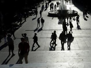 Φωτογραφία για Η κρίση στην Ελλάδα δεν τελειώνει - Γιατί οι νέοι μεταναστεύουν