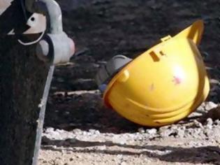 Φωτογραφία για Εργατικό δυστύχημα στα Οινόφυτα: 51χρονος καταπλακώθηκε από ράβδους αλουμινίου